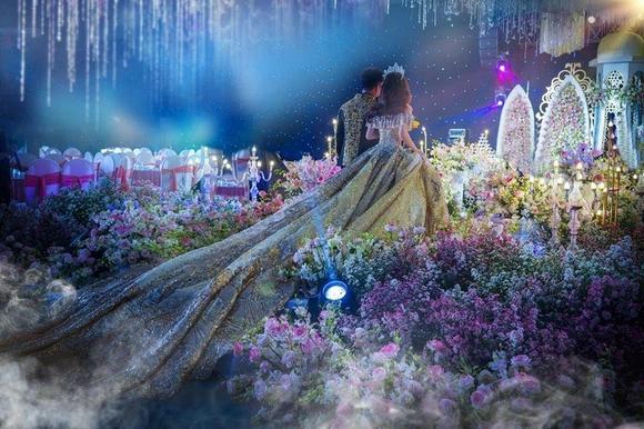 Photo of Mô hình lâu đài đám cưới ở An Giang gây sốt cộng đồng mạng