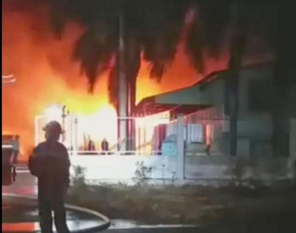 Photo of Cháy lớn tại công ty sản xuất thuốc bảo vệ thực vật