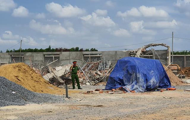 Photo of Tạm giữ hình sự 3 người trong vụ sập tường ở Đồng Nai, 10 người chết
